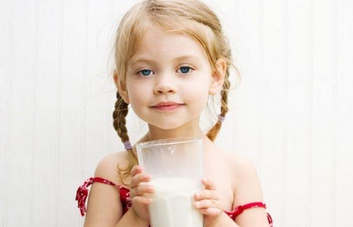 теплое молоко с медом на ночь